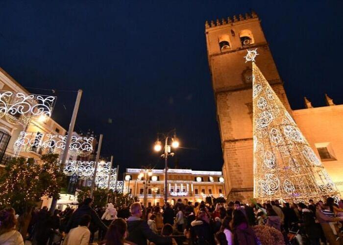 Badajoz se llena de luces para recibir las fiestas decembrinas y los eventos