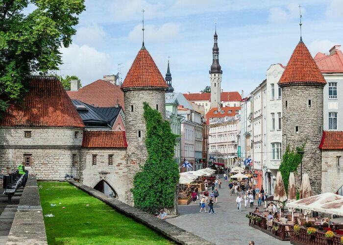 El Viru Gate es uno de los principales monumentos de Tallin