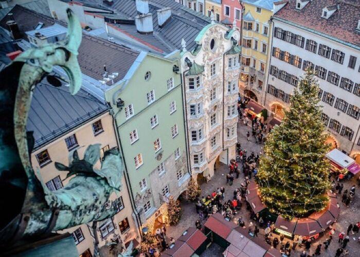 Innsbruck recibe alegremente las fiestas decembrinas con el Mercado Navideño