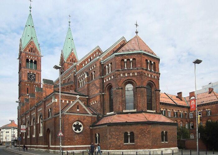 La Iglesia Franciscana de Máribor es uno de los principales símbolos religiosos de la ciudad