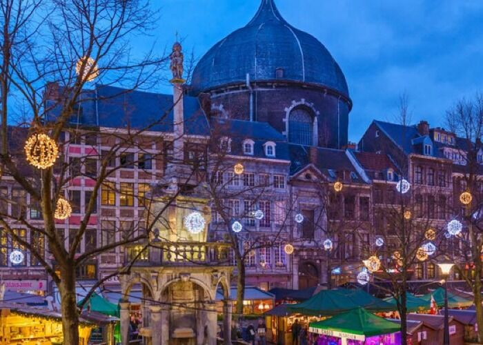 La ciudad de Lieja se llena de luces para recibir las fiestas decembrinas