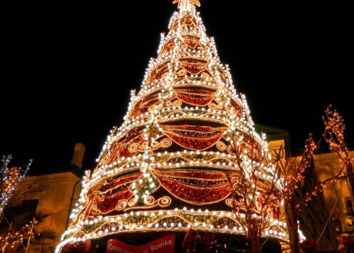 La ciudad de Limasol se llena de luces para el Christmas Village Galactica