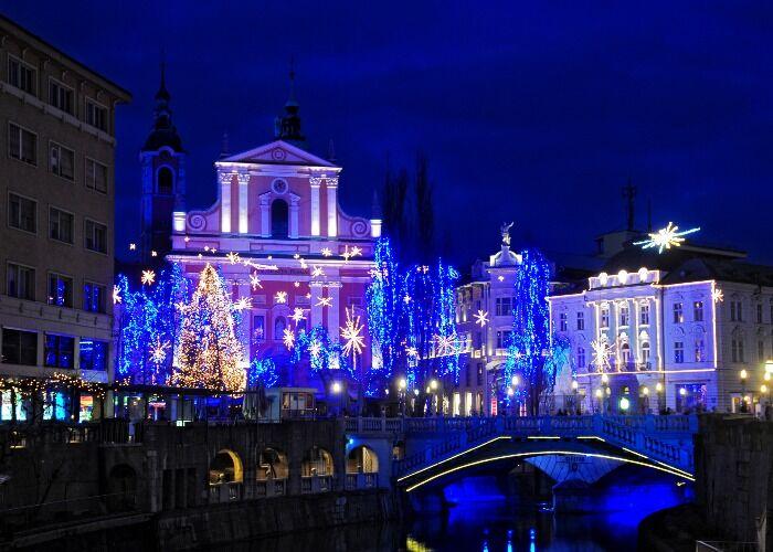 La ciudad de Liubliana recibe con emoción las fiestas decembrinas y el Mercadillo