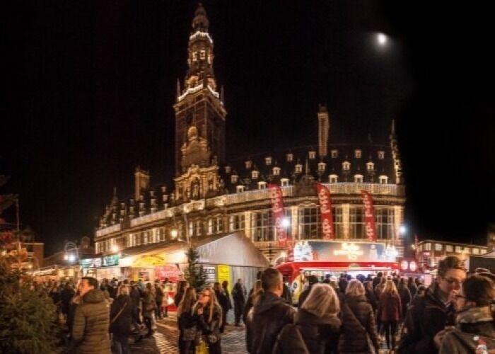 La ciudad de Lovaina recibe el Mercado Navideño con miles de luces, colores y adornos