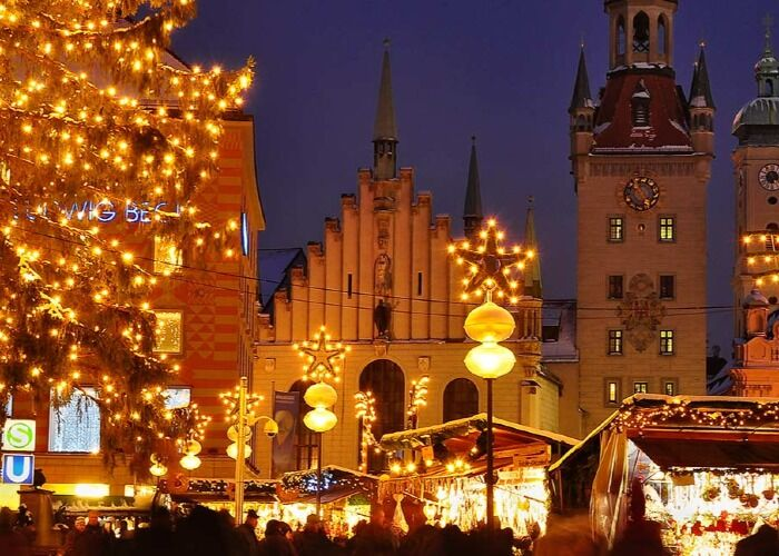 La ciudad de Múnich se viste de luces para recibir el Mercado Navideño