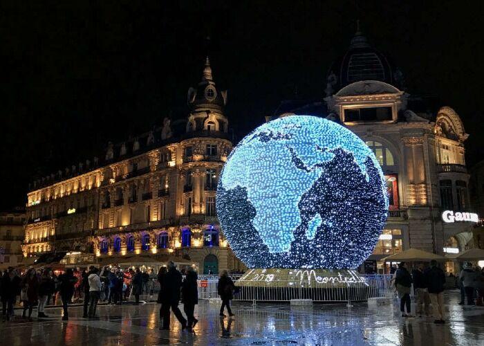 La ciudad se llena de luces y adornos para recibir la navidad y el Mercado Navideño de Montpellier