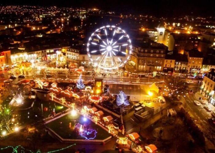 Cada año, el espíritu de la navidad toma las calles de Galway para celebrar la navidad y el Mercado Navideño
