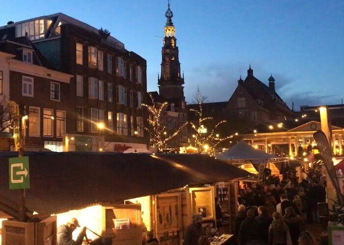 Decenas y decenas de puestos abren sus puertas cada año para el Mercado Navideño de Leiden