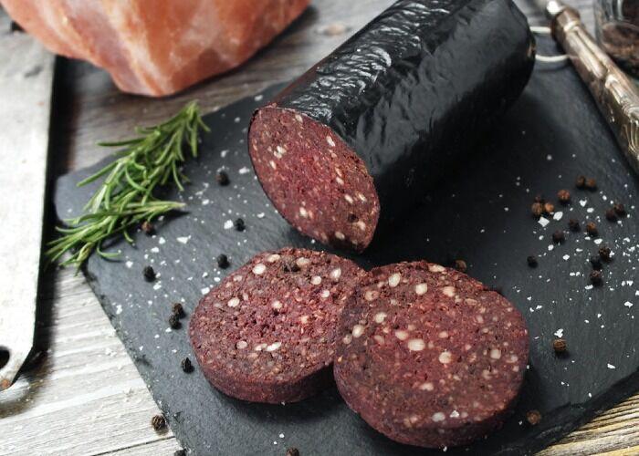 El Black Pudding es una receta tradicional inglesa elaborada con sangre
