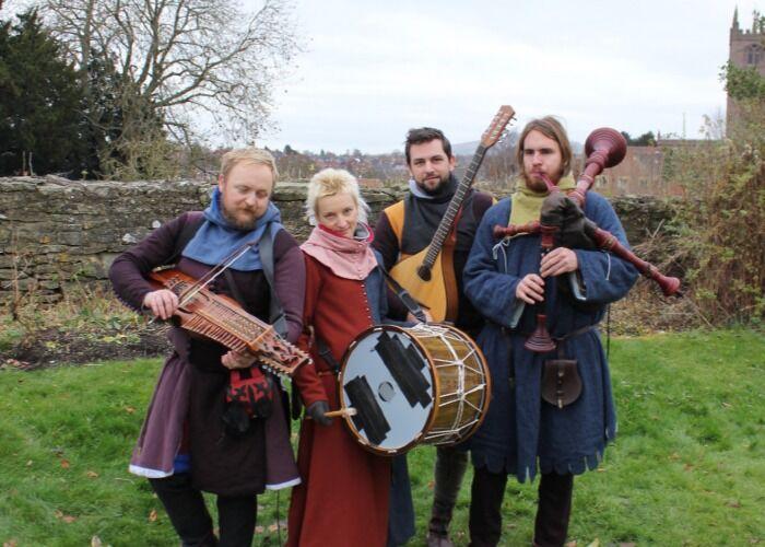 En la Feria Navideña Medieval de Ludlow no te aburrirá nunca con la gran cantidad de eventos y presentaciones que tiene para ofrecerte