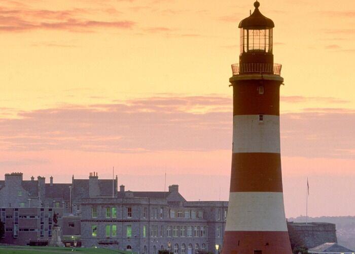 La Torre Smeaton es el Mirardor de Plymouth, considerado uno de los sitios turísticos más importantes de la localidad