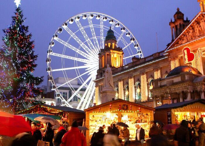 La ciudad de Belfast se llena de alegría, luces brillantes y olores maravillosos durante las navidades
