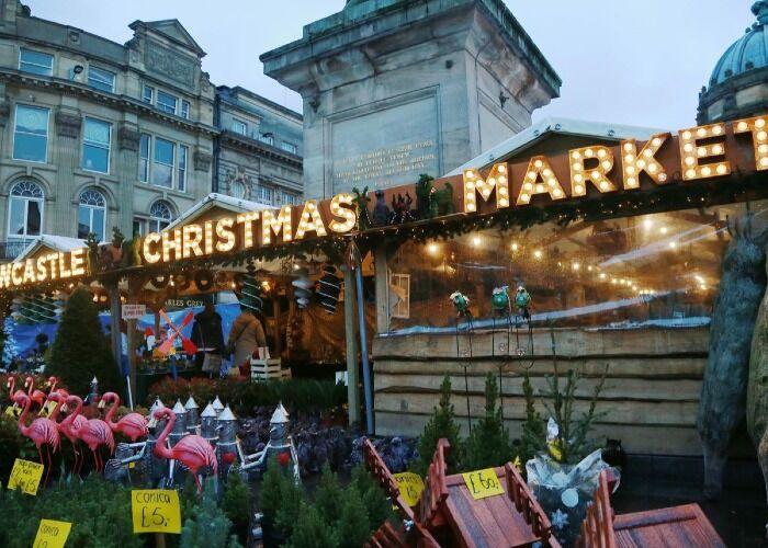 La ciudad de Newcastle recibe con mucha emoción el Mercado Navideño