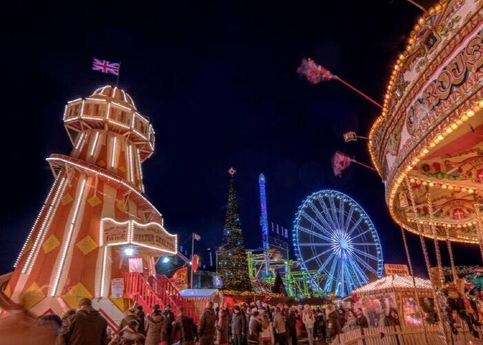 Las calles de Londres quedan repletas de visitantes y residentes para formar parte del Hyde Park Winter Wonderland