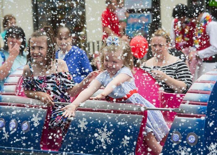 Miles de personas asisten cada año al Mercado Navideño de Blackwood para formar parte de juegos, comidas y entretenimiento