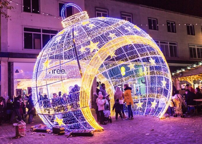 Portsmouth se llena de cientos de colores para recibir las fiestas decembrinas