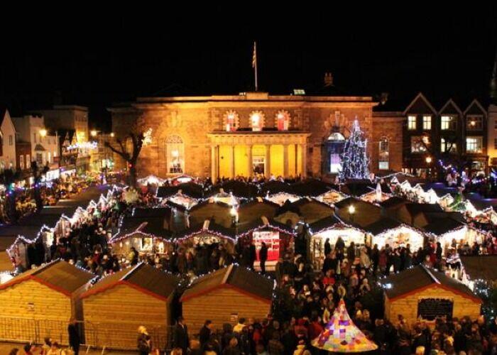 Puedes comprar todo tipo de regalos en el Mercado Navideño de Salisbury