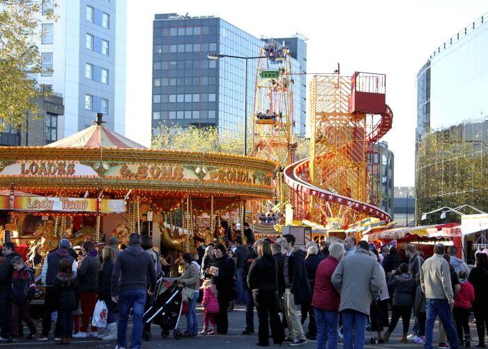 Puedes encontrar decenas de atracciones en el Mercado Navideño de Ipswich