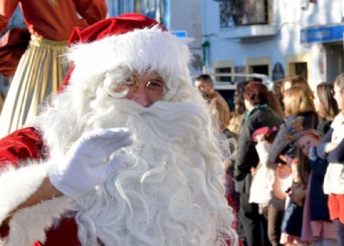 Puedes encontrar personajes tradicionales de navidad en el Natal com Arte de Montijo