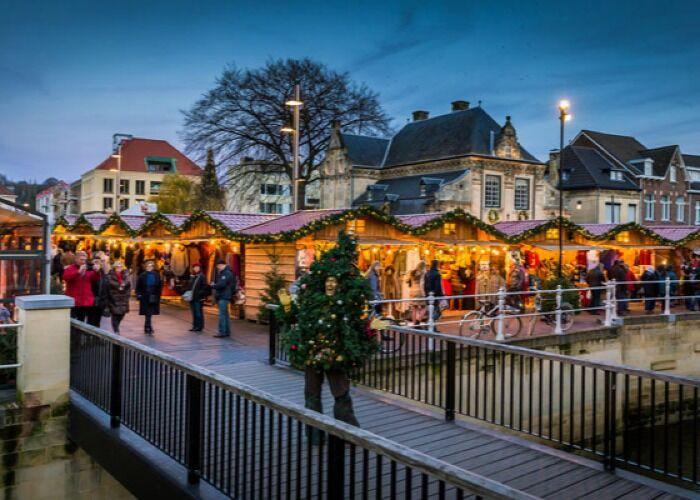 Toda Valkenburg se prepara para recibir con gran alegría las navidades