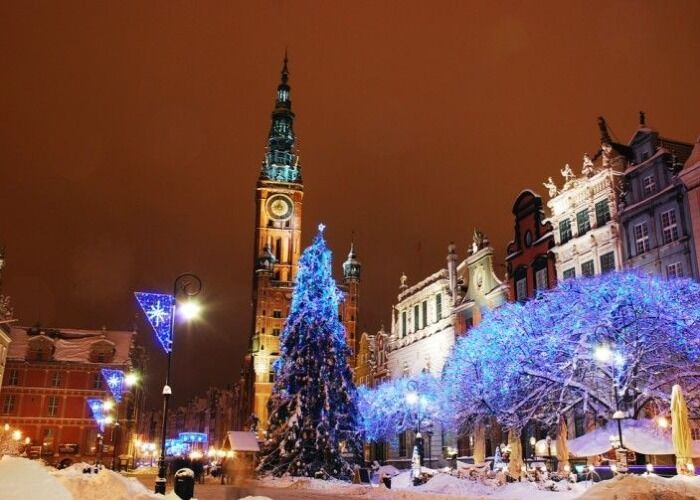 Toda la ciudad de Gdansk se llena de luces y adornos para recibir las navidades