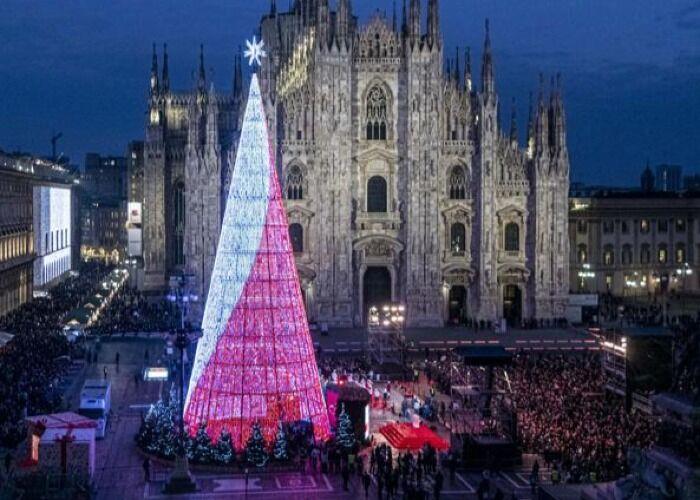 Toda la ciudad de Milán se llena de luces para recibir el Oh Bej! Oh Bej!