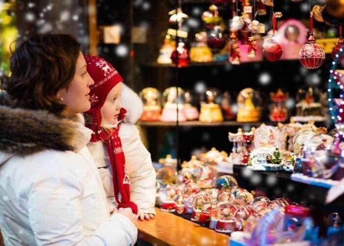 Todo el mundo se reúne en las calles para celebrar los mercados navideños de Londres